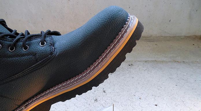 Jakie obuwie BHP oferują producenci?