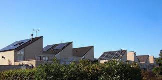 Panele fotowoltaiczne – jaką pełnią rolę w przydomowej elektrowni